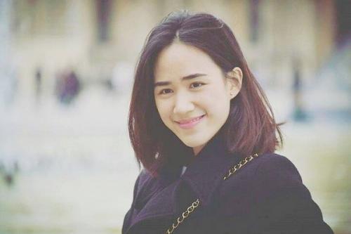Pesona yang paling dipancarkan dari seorang Nitchaon Jindapol adalah senyuman manisnya