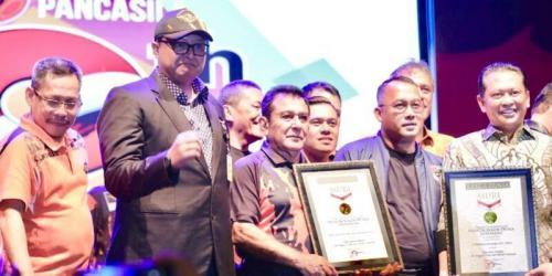 Pemuda Pancasila menerima 2 penghargaan dari Muri (Foto : Istimewa)