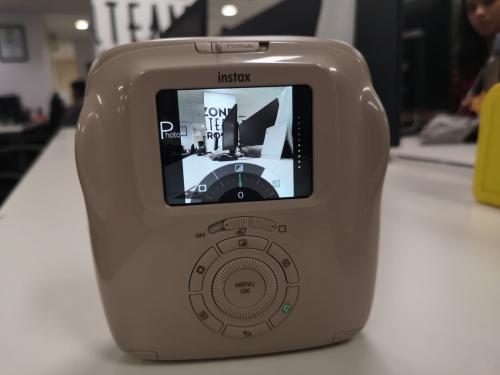 Menjajal Instax SQ20 yang Bisa Rekam Video