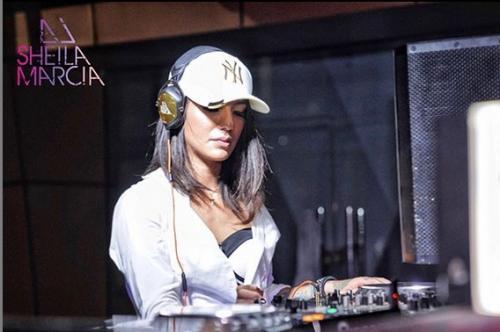 Sheila Marcia memilih untuk meninggalkan dunia hiburan dan menjadi disk jockey. (Foto: Instagram/@itssheilamj)