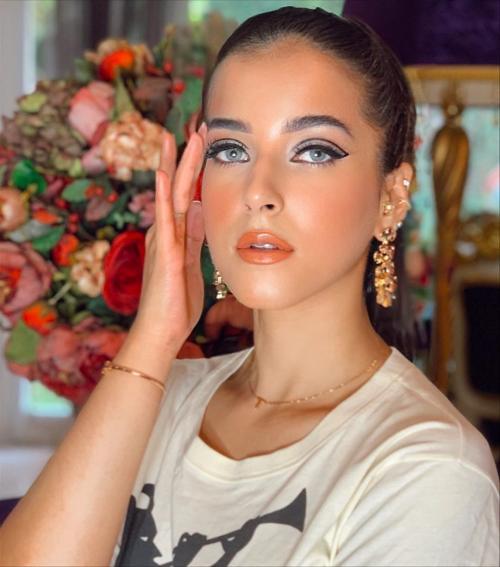 Tasya Bold