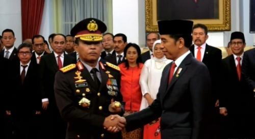 Idham Azis dilantik Presiden Jokowi Foto: BPMI