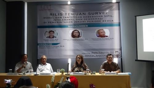 LSI merilis hasil survei Foto: Fahreza Rizky