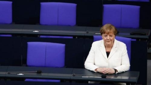 Konselor Jerman, Angela Merkel, kerap dikecam kelompok sayap kanan karena kebijakan pintu terbuka bagi pengungsi yang diambilnya. (AFP)
