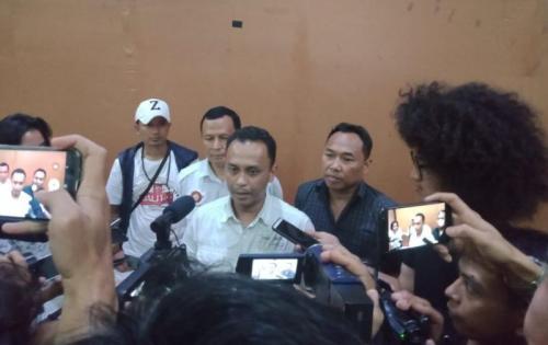 Perwakilan Ormasi Memberi Klarifikasi dan Minta Maaf di Kantor Wali Kota Bekasi soal Viral Minta Jatah Parkir (foto: Okezone/Wijayakusuma)