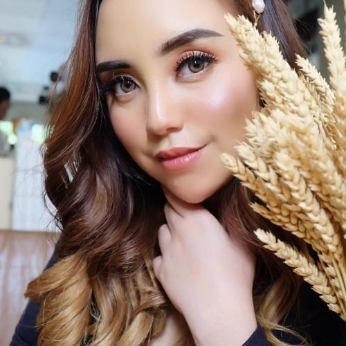 Salmafina Sunan memberikan alasan kenapa tak mengenakan kalung salib. (Foto: Instagram/@salmafinansunan)