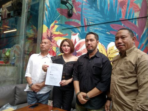 Intan Hardja meminta Pablo Benua bertanggung jawab atas penjiplakan lagu Aku Ingin Sendiri. (Foto: Okezone)