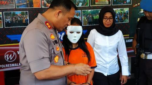 Pemilik Karaoke di Kabupaten Malang Berinisial TR Jadi Tersangka karena Memperdagangkan Remaja Rp300 Ribu ke Lelaki Hidung Belang (foto: Okezone/Avirista M)