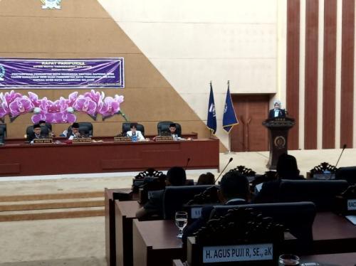 rapat paripurna di gedung DPRD Tangsel, (foto: Okezone/Hambali)