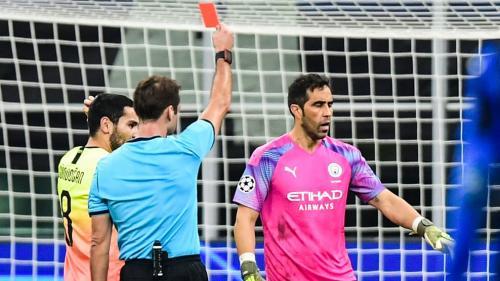 Suasana laga Atalanta vs Manchester City
