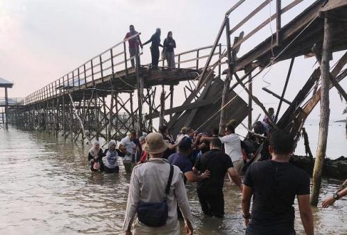 Jembatan di Montigo Resort Batam roboh. (Foto : Ist)