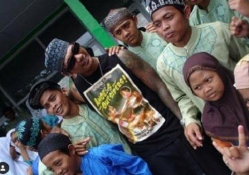 Jerinx dan anak muslim