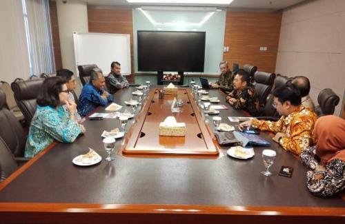 Jaksa Agung ST Burhanuddin bertemu pimpinan KPK. (Foto: Arie Dwi Satrio/Okezone)