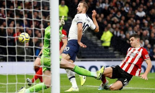 Harry Kane gagal memanfaatkan peluang di babak pertama (Foto: Premier League)