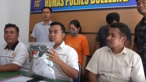 Polres Buleleng Ekspose Kasus Guru SMK Ajak Siswi Threesome Bareng Pacar (foto : iNews/Pande Wismaya)