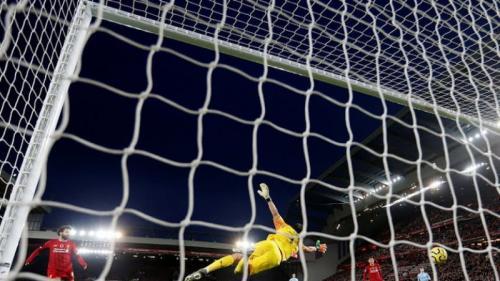 Mohamed Salah mencetak gol kedua Liverpool (Foto: Reuters)