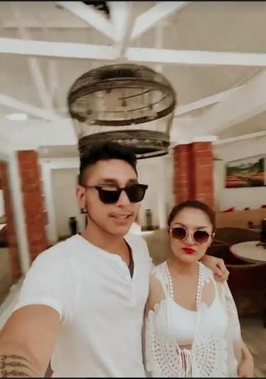 Siti Badriah dan suami
