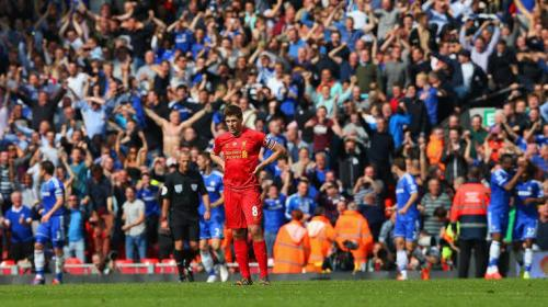 Steven Gerrard vs Chelsea (Foto: Premier League)