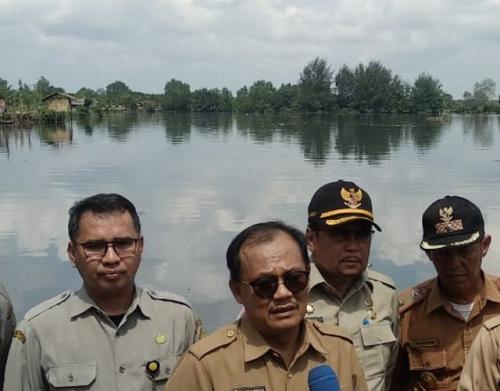 Pemerintah Provinsi Sumatera Utara bersama BPBD Kota Medan Bersihkan Danau Siombak (foto: BPBD Kota Medan)