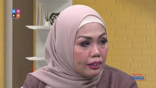 Elly Sugigi tak ingin memaksa anaknya untuk bertemu, meski nanti terjadi sesuatu padanya. (Foto: YouTube/MOP Channel)