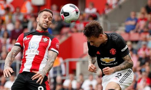 Victor Lindelof menjadi andalan Man United (Foto: Reuters)