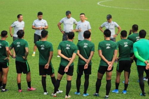 Timnas Indonesia berlatih di bawah pengawasan Yeyen Tumena (Foto: PSSI)