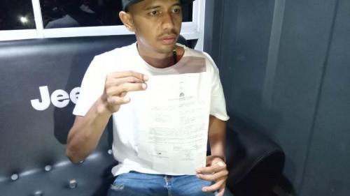 Korban penembakan anak bupati Majalengka, Panji Pamungkasan saat gelar konferensi pers di Bandung (Foto : Okezone/CDB Yudistira)