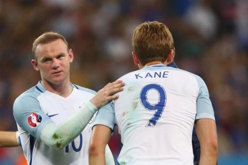 Wayne Rooney dan Harry Kane