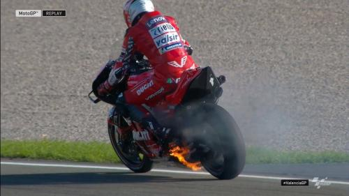 Motor Michele Pirro terbakar