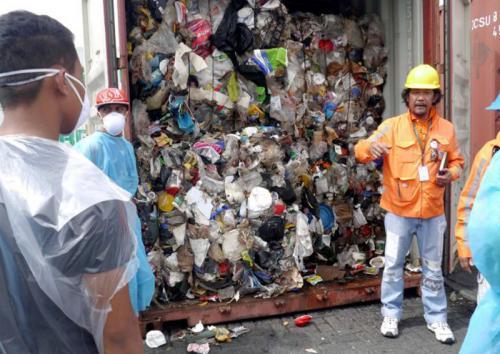 Ilustrasi Sampah Plastik (foto: Reuters)