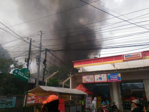 Kebakaran bengkel Foto: DPKP