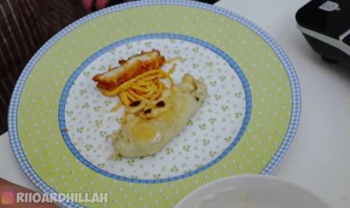 Makanan di piring