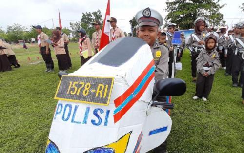 Haririn, Anak Indonesia yang lahir di Malaysia, Punya Mimpi Jadi Polisi (foto: Okezone/Ade Putra)