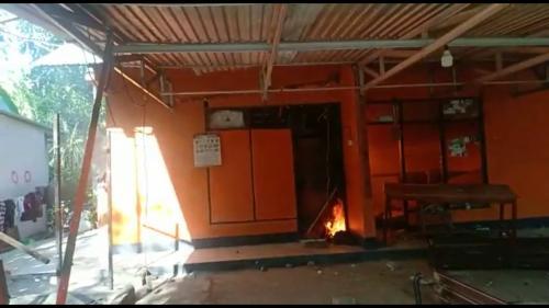 Kampus UMI Dibakar