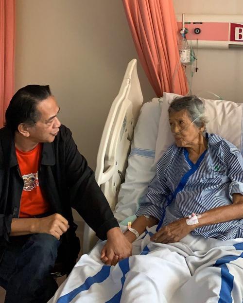 Ray Sahetapy jenguk Ibunda Ria Irawan