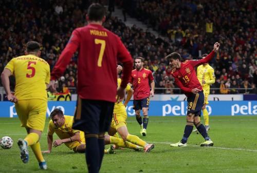 Spanyol vs Rumania (Foto: UEFA)