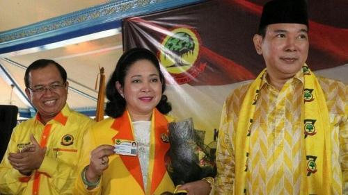 Ketua Umum Partai Berkarya Tommy Soeharto bersama Titiek Soeharto dan Sekjen Priyo Budi Santoso. (Foto: Dok iNews)