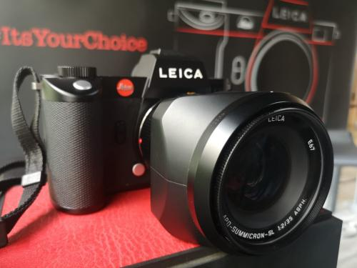 Leica menghadirkan kamera terbarunya Leica SL2 di pasar Indonesia.