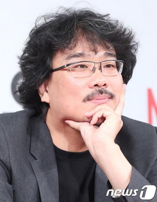 Ternyata, alasan Bang Joon Ho enggan menggarap film superhero berkaitan dengan kostum. (Foto: News1)