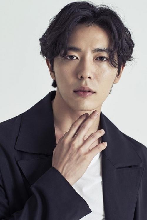 Kim Jae Wook ditawari untuk menghidupkan peran sebagai polisi dalam drama Train. (Foto: Soop Management)