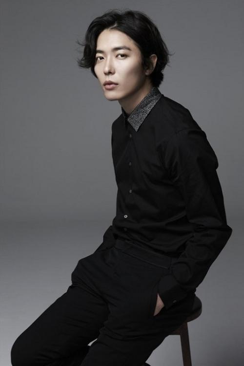 Kim Jae Wook ditawari untuk menghidupkan peran sebagai polisi dalam drama Train. (Foto: Hancinema)