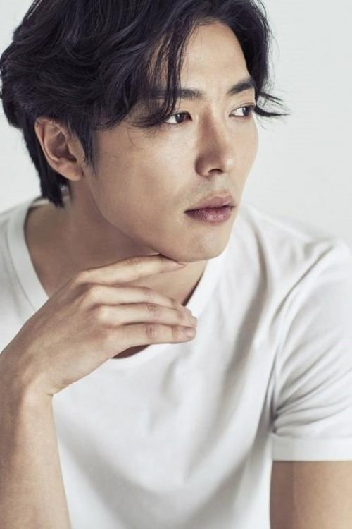 Kim Jae Wook konfirmasi keterlibatannya dalam drama Crazy Love. (Foto: SOOP Management)