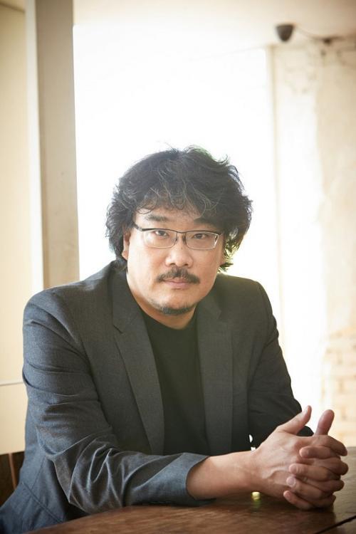 Bang Joon Ho mengaku tak tertarik untuk menyutradarai film superhero. (Foto: Hancinema)