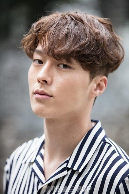 Jang Ki Yong berpotensi reuni dengan Park So Dam dalam Record of Youth. (Foto: Hancinema)