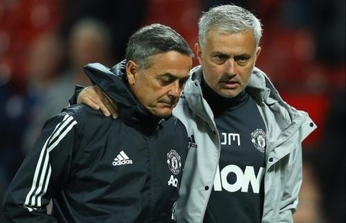 Jose Mourinho menangani Man United pada 2016-2018