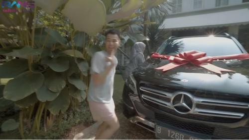 Deretan Mobil Mahal Yang Dibeli 3 Artis Indonesia Untuk Orang