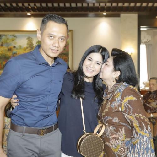 Annisa Pohan dan Ani Yudhoyono