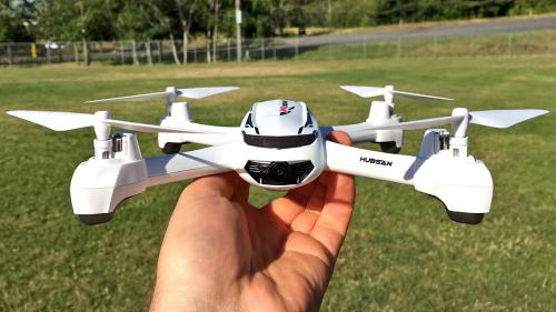 Drone bisa dipakai untuk merekam video atau gambar dari udara.