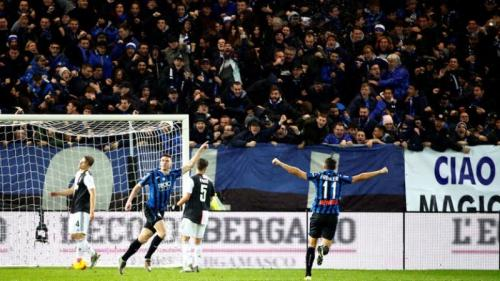 Atalanta unggul lebih dulu lewat gol Robin Gosens (Foto: Reuters)