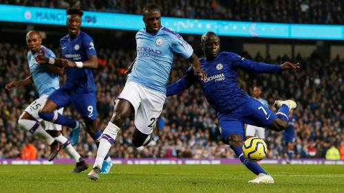 N'Golo Kante bobol gawang Man City (Foto: Premier League)